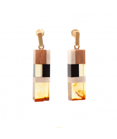 Earrings made of amber and wood on gold plated hooks.