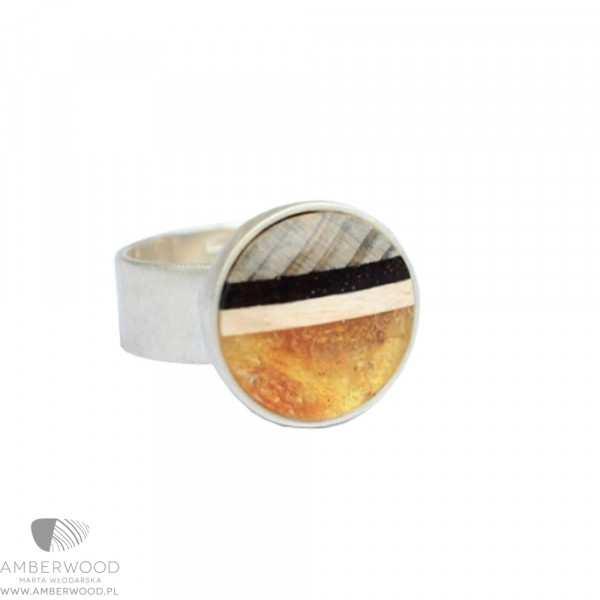 Sunset Ring mit Gelben Bernstein und Holz.
