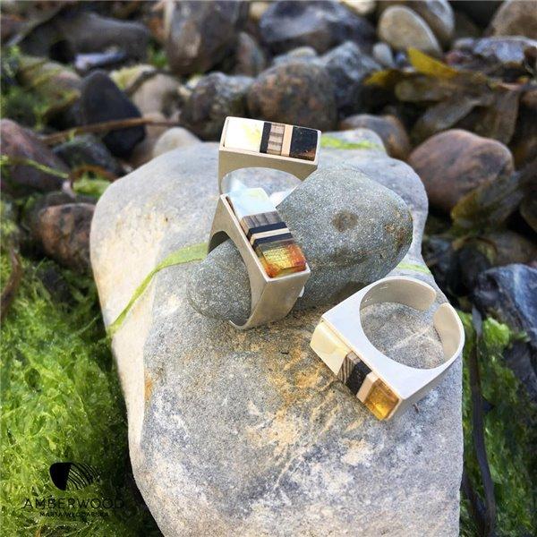 Pierścionek SIMPLE z bursztynu, drewna dryfowego i srebra